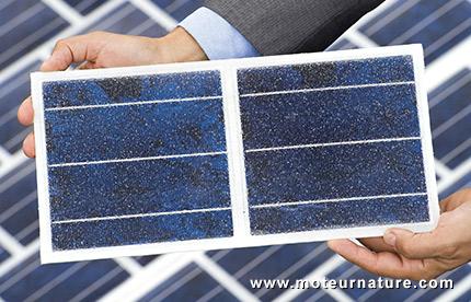 Colas invente Wattway, revêtement routier photovoltaïque