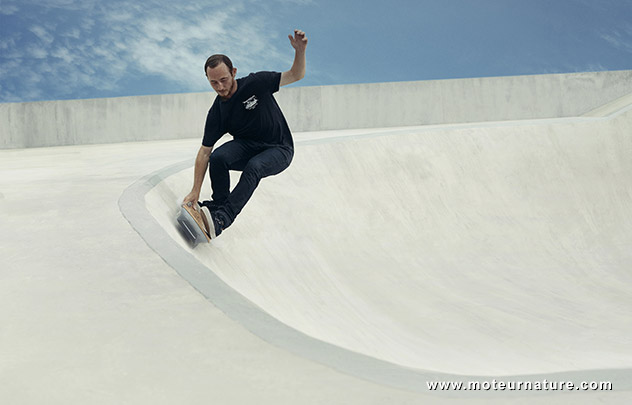 un skateboard sans roues l 39 hoverboard de lexus. Black Bedroom Furniture Sets. Home Design Ideas