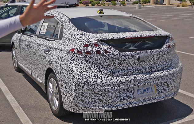 2016 - [Hyundai] Ioniq Hyundai-prius-2
