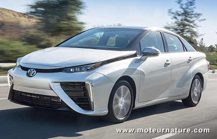 passion suv un record d 39 autonomie pour la toyota mirai. Black Bedroom Furniture Sets. Home Design Ideas