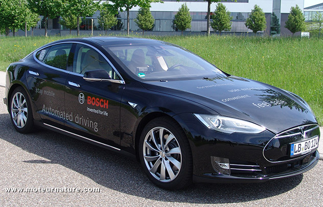 une tesla autonome par bosch. Black Bedroom Furniture Sets. Home Design Ideas