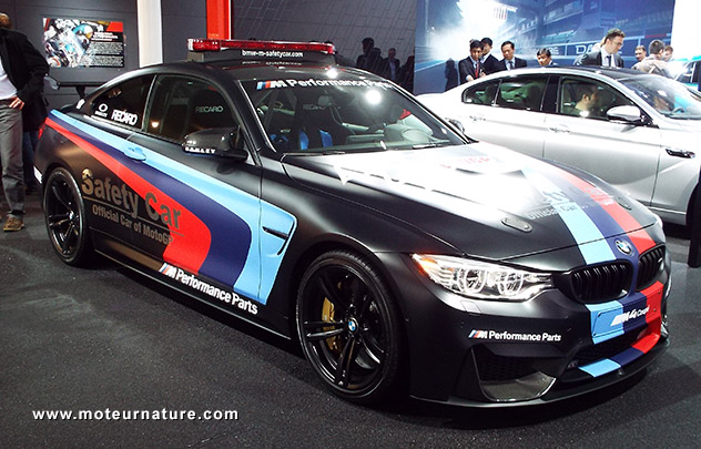 bmw m4 motogp safety car avec injection d 39 eau. Black Bedroom Furniture Sets. Home Design Ideas