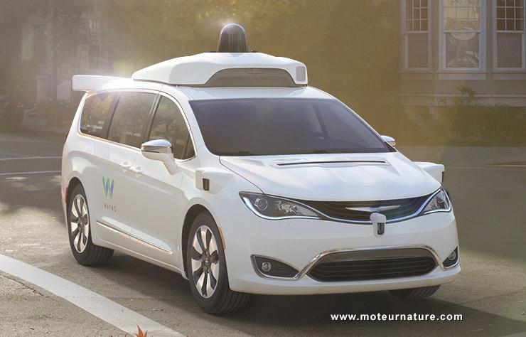 Chrysler minivan autonome pour Waymo