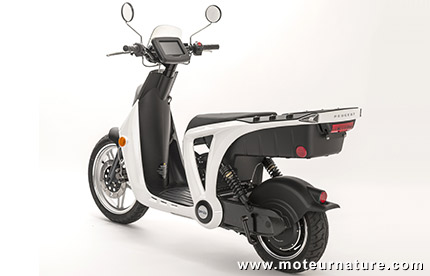 un scooter lectrique abordable le peugeot genze. Black Bedroom Furniture Sets. Home Design Ideas