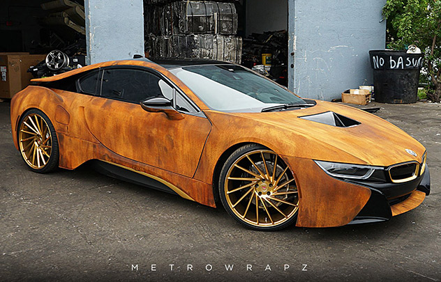 BMW i8 finition rouille