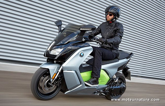 une nouvelle batterie de 12 5 kwh pour le scooter bmw c evolution. Black Bedroom Furniture Sets. Home Design Ideas