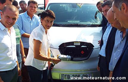 Borne de recharge rapide Ferrandi avec Nissan