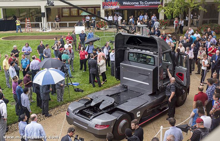 Camion électrique AEOS moteur Cummins