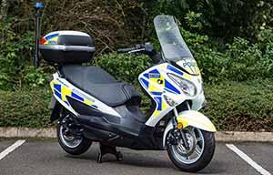 La police en scooter à hydrogène à Londres