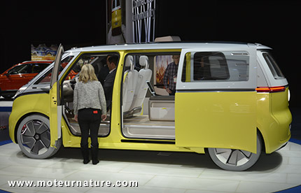 Volkswagen va commercialiser un Combi électrique