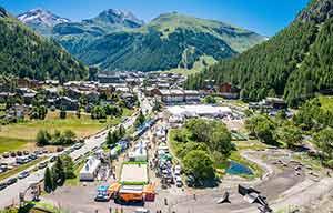 Val d'Isère: en juillet, un salon leader pour le VE
