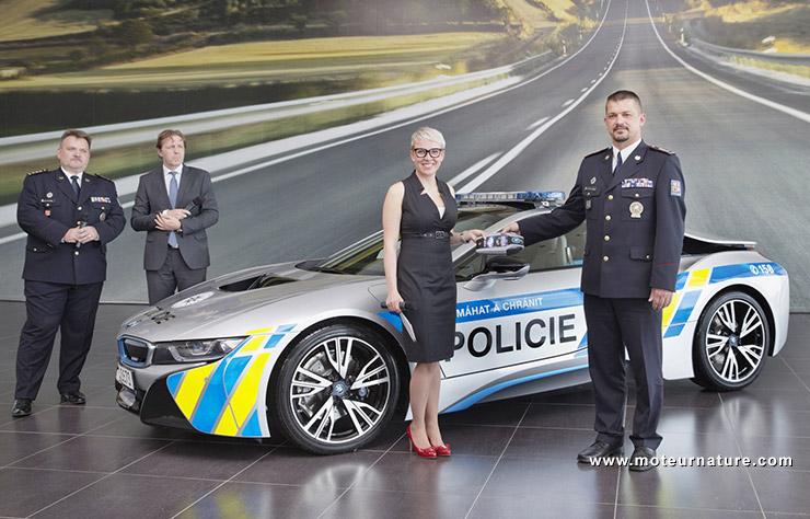 BMW i8 de la police tchèque