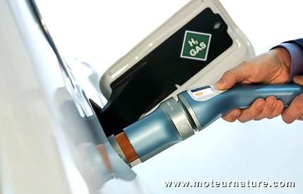 Pompe à hydogène Shell designée par BMW