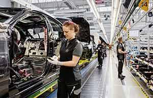 Mercedes se prépare à produire entre 300 et 500000 électriques par an en 2025