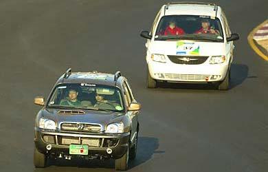 Hyundai Santa Fe à PAC et Chrysler Voyager turbo-diesel