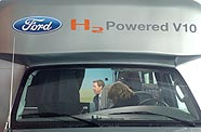 Bill Ford un van Ford V10 hydrogene