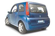 La Blue Car de Bolloré, petite citadine 100 % électrique