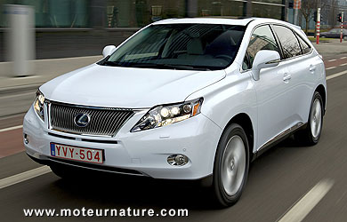 lexus rx450h l 39 hybride de tous les paradoxes une r ussite tonnante. Black Bedroom Furniture Sets. Home Design Ideas