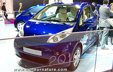 bollore-bluecar-001