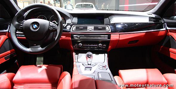 BMW M5, est-ce la fin des voitures qui consomment plus de 10 l/100 km ? BMW-M5-interieur
