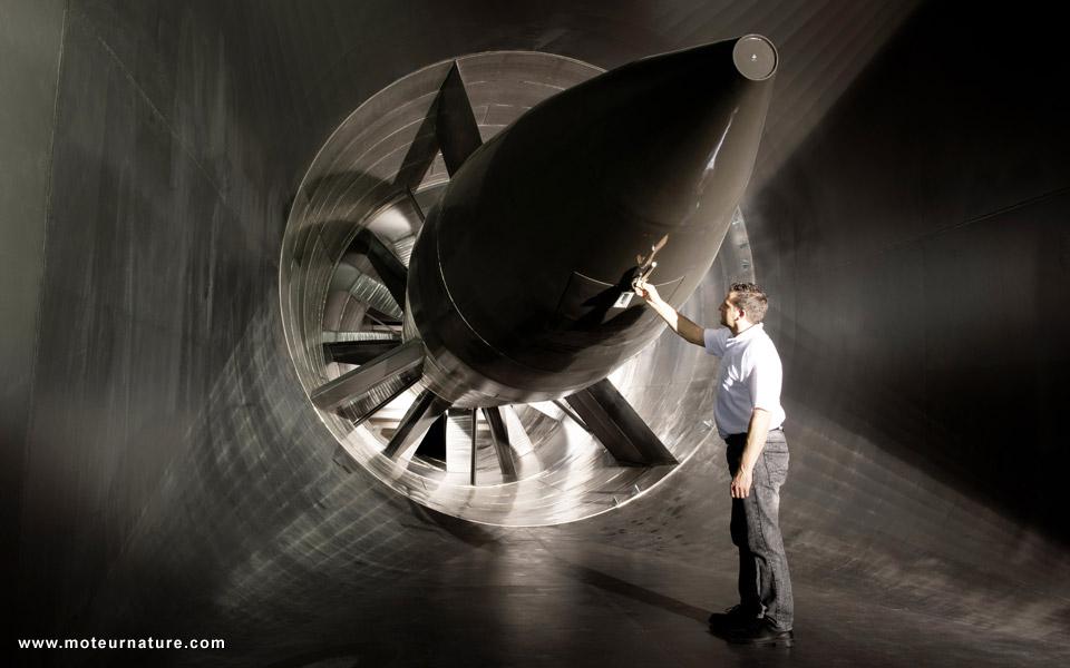http://www.moteurnature.com/zvisu/2011/82/soufflerie-daimler-6.jpg