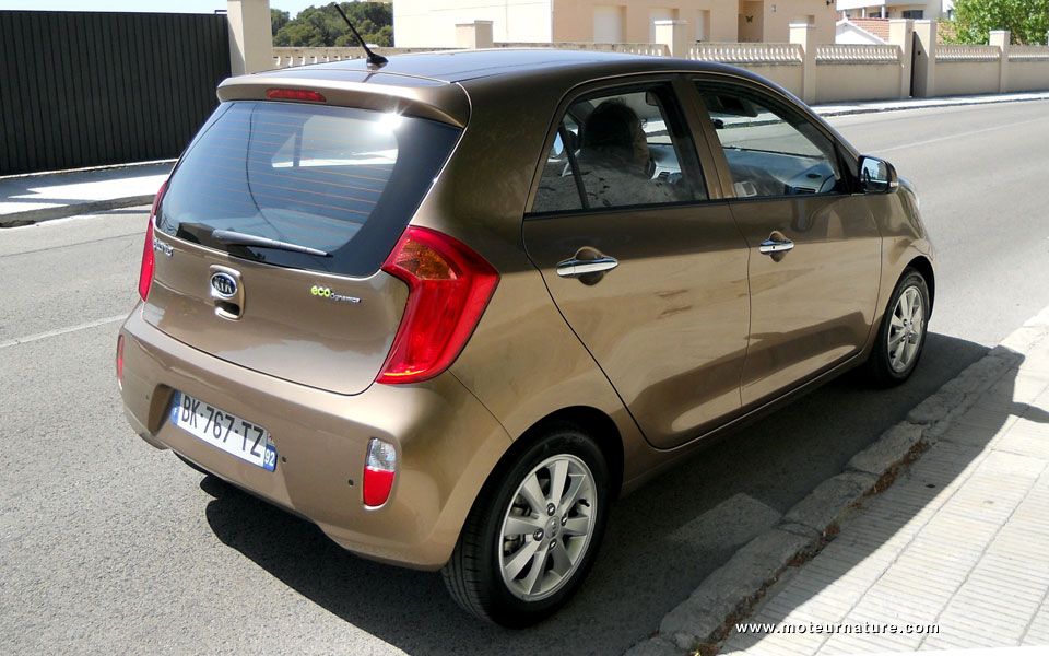 kia picanto une nouvelle auto 99 g km de co2. Black Bedroom Furniture Sets. Home Design Ideas