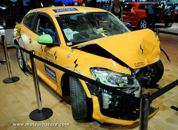 Volvo électrique accidentée