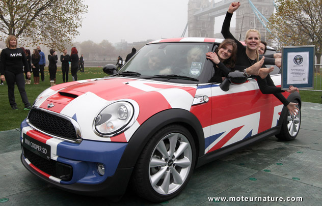 28 ladies inside a Mini