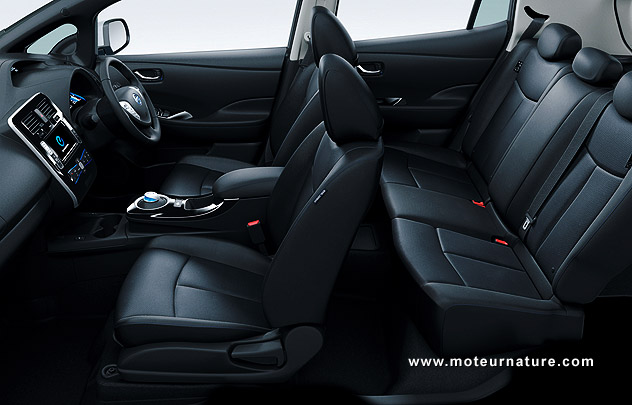 nissan leaf 2013 poids en baisse autonomie en hausse. Black Bedroom Furniture Sets. Home Design Ideas