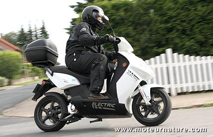 Govecs et Cooltra font entrer le scooter électrique dans une nouvelle dimension