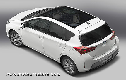 2013 Toyota Auris hybrid hatchback