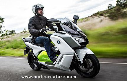 les deux roues cycles scooters et motos. Black Bedroom Furniture Sets. Home Design Ideas