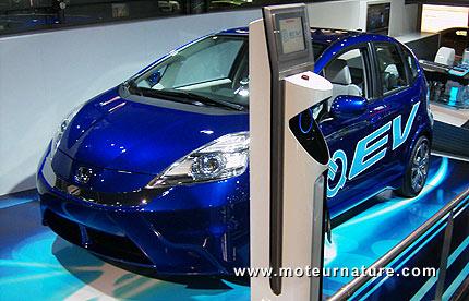 Camionnette Automotrice Triple Hybridation Intégrée (CATHI) Honda-Jazz-electrique