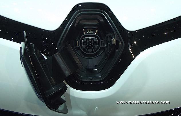 Renault Zoé : pas si branchée... Renault-zoe-mennekes