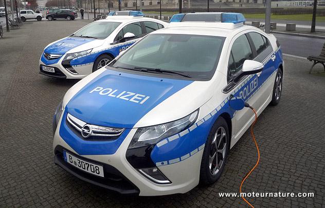 Corrigée, l'Opel Ampera est sur des rails