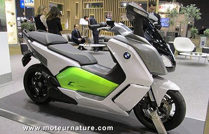 le prix du maxi scooter lectrique bmw c evolution. Black Bedroom Furniture Sets. Home Design Ideas