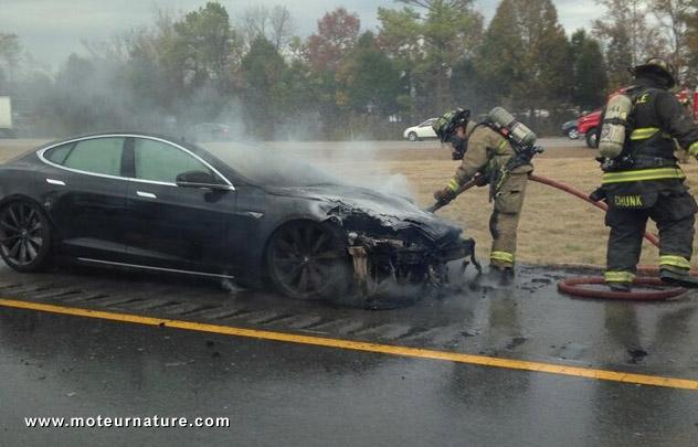 Troisième incendie d'une Tesla ModelS