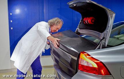 Volvo, batterie dans la carrosserie