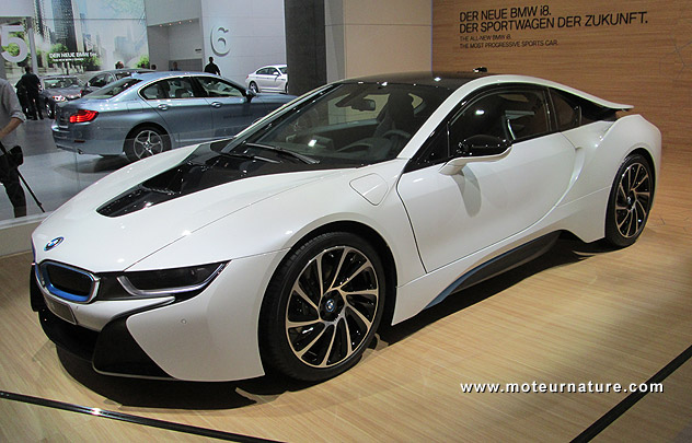 les belles promesses de la bmw i8 hybride rechargeable. Black Bedroom Furniture Sets. Home Design Ideas