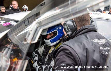 Aston Martin sur le Nurburgring