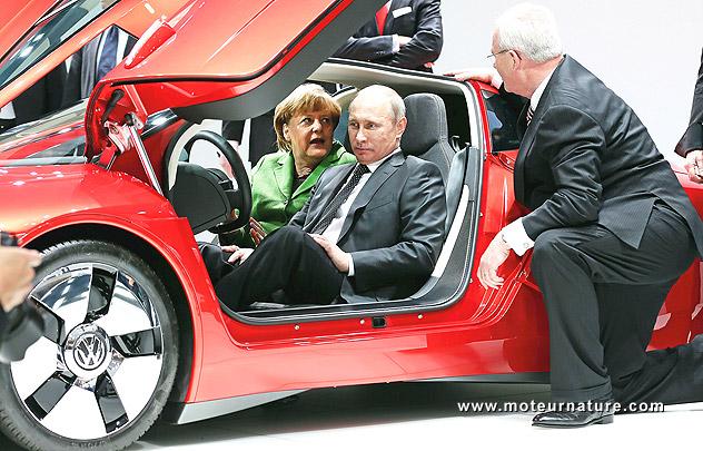 Meilleur Voiture Hybride >> Vladimir Poutine dans la Volkswagen XL1
