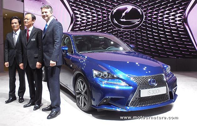 Lexus IS300h hybride